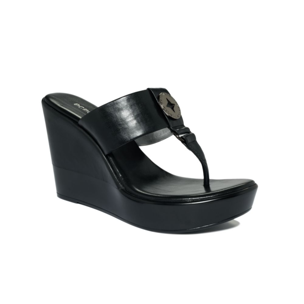 f4935cb8cbe Lyst - BCBGeneration Quo Thong Wedge Sandals in Black