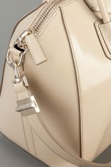 Givenchy Antigona Medium Tote in Beige (nude) - Lyst