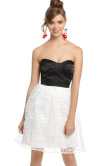 Eci Strapless Satin Sweetheart Neck Aline - Lyst
