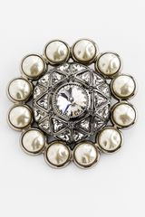 St. John Crystal Baroque Faux Pearl Brooch in Gold (flash gold) - Lyst