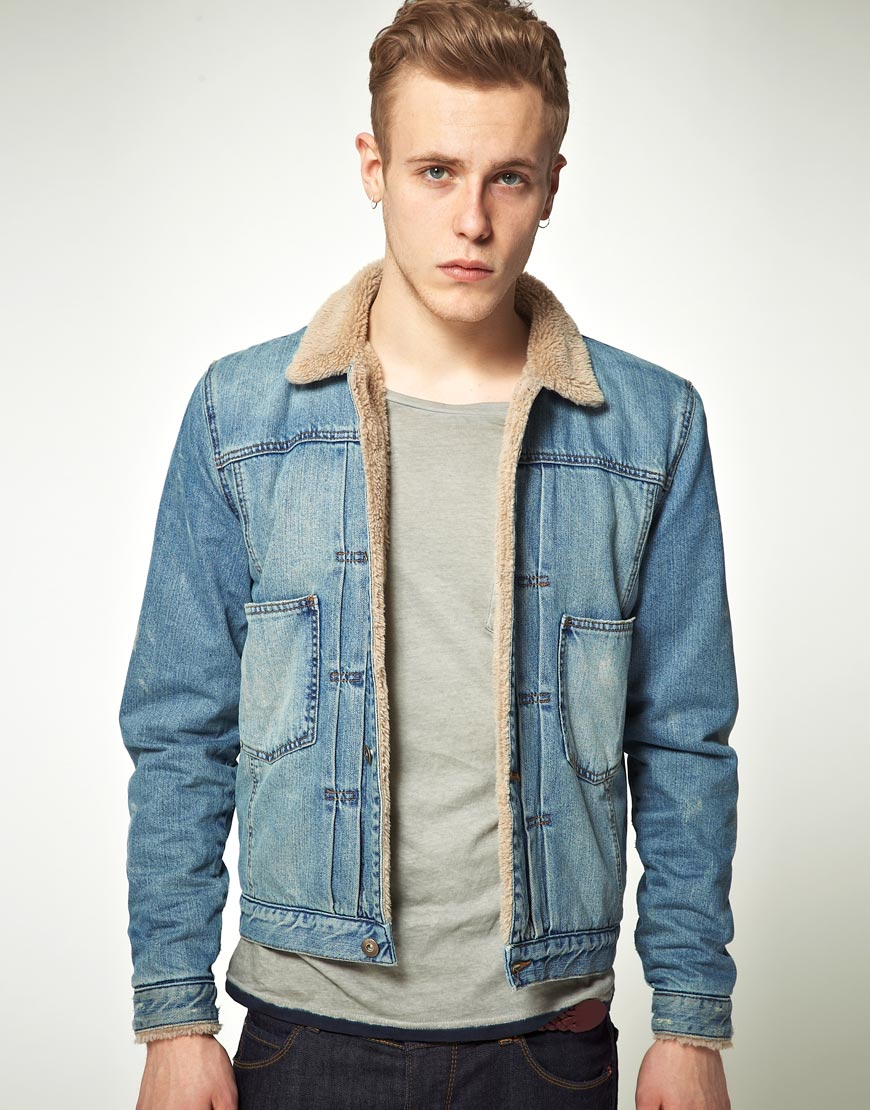 asos denim jacket with brown borg in mid wash in blue for men lyst