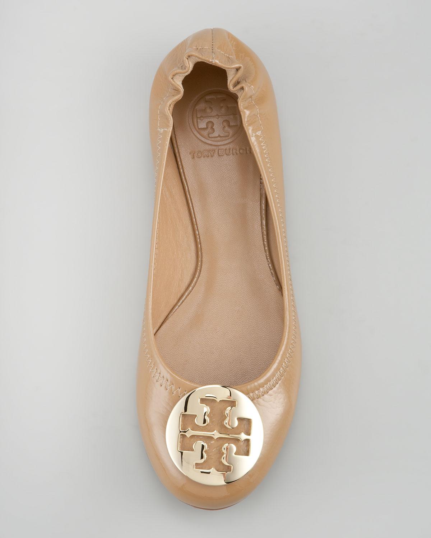 a640868f1c00cd Lyst - Tory Burch Reva Tumbled Patent Ballerina Flat Tan in Metallic