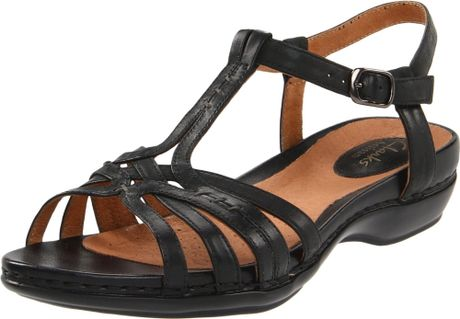 Clarks Sennett Harmony Tstrap Sandal in Black (black leather) - Lyst