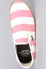 Vans The Lp Slip On Ca Sneaker in Red Stripe in Red - Lyst