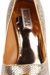 Badgley Mischka Womens Willoe Peeptoe Pump in Gold (gold metallic) - Lyst