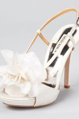 Badgley Mischka Sandals Zabrina Flower - Lyst