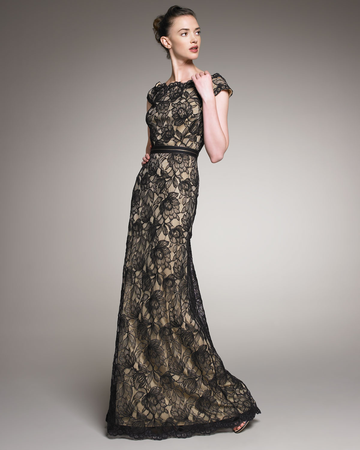 8940a3662 Tadashi Shoji Scalloped Lace Gown in Black - Lyst