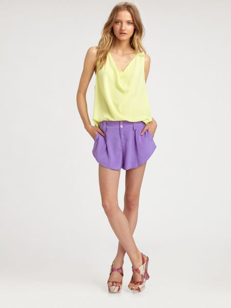 Alice + Olivia Lucy Silk Cowlneck Trapeze Top in Yellow (coral) - Lyst