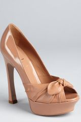 Yves Saint Laurent Salted Caramel Patent Leather Palais B 105 Peep Toe Bow Pumps - Lyst