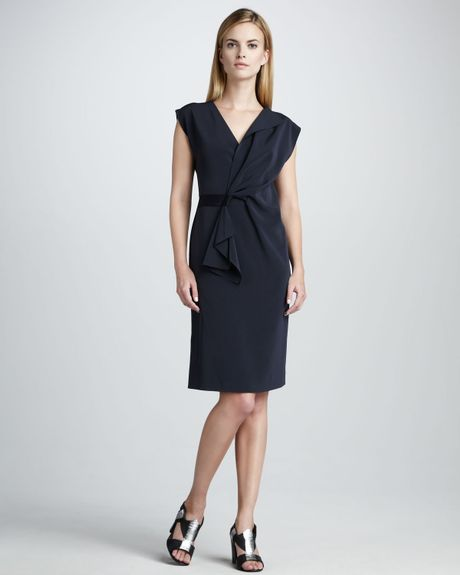 Elie Tahari Dalia Capsleeve Dress in Blue (navy)
