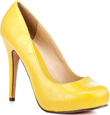 Michael Antonio 'Love Me' Pumps in Yellow - Lyst
