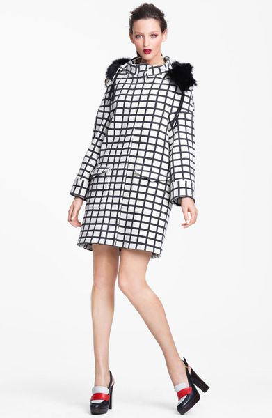 Marni Edition Check Print Coat in Beige (cream black)