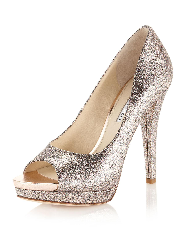 Vera Wang Lavender Selima Glitter Pump In Gold (glitter