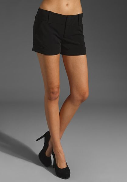 Alice + Olivia Cady Cuff Short in Black - Lyst
