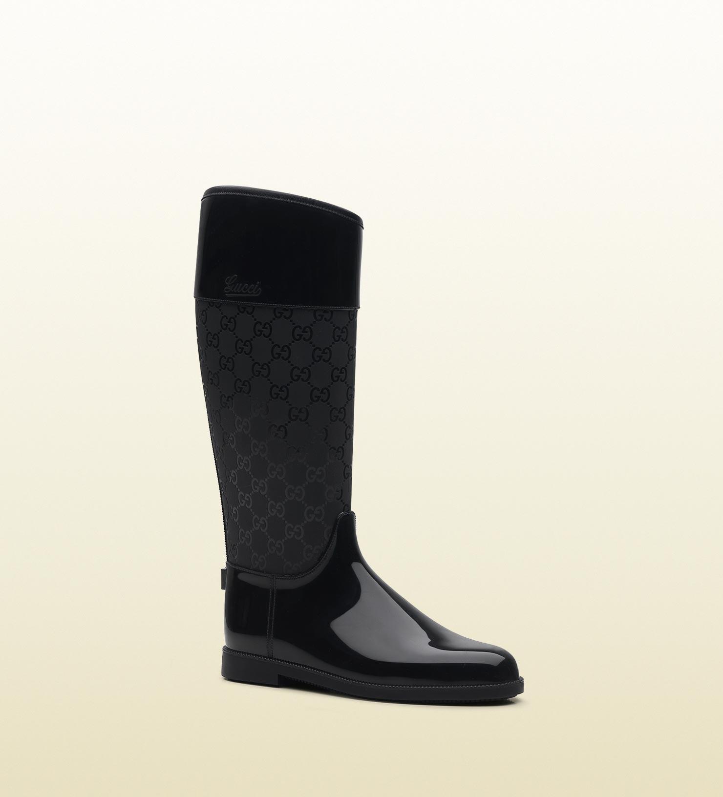 Gucci Rain Flat Boot with Gucci Script Logo in Black | Lyst