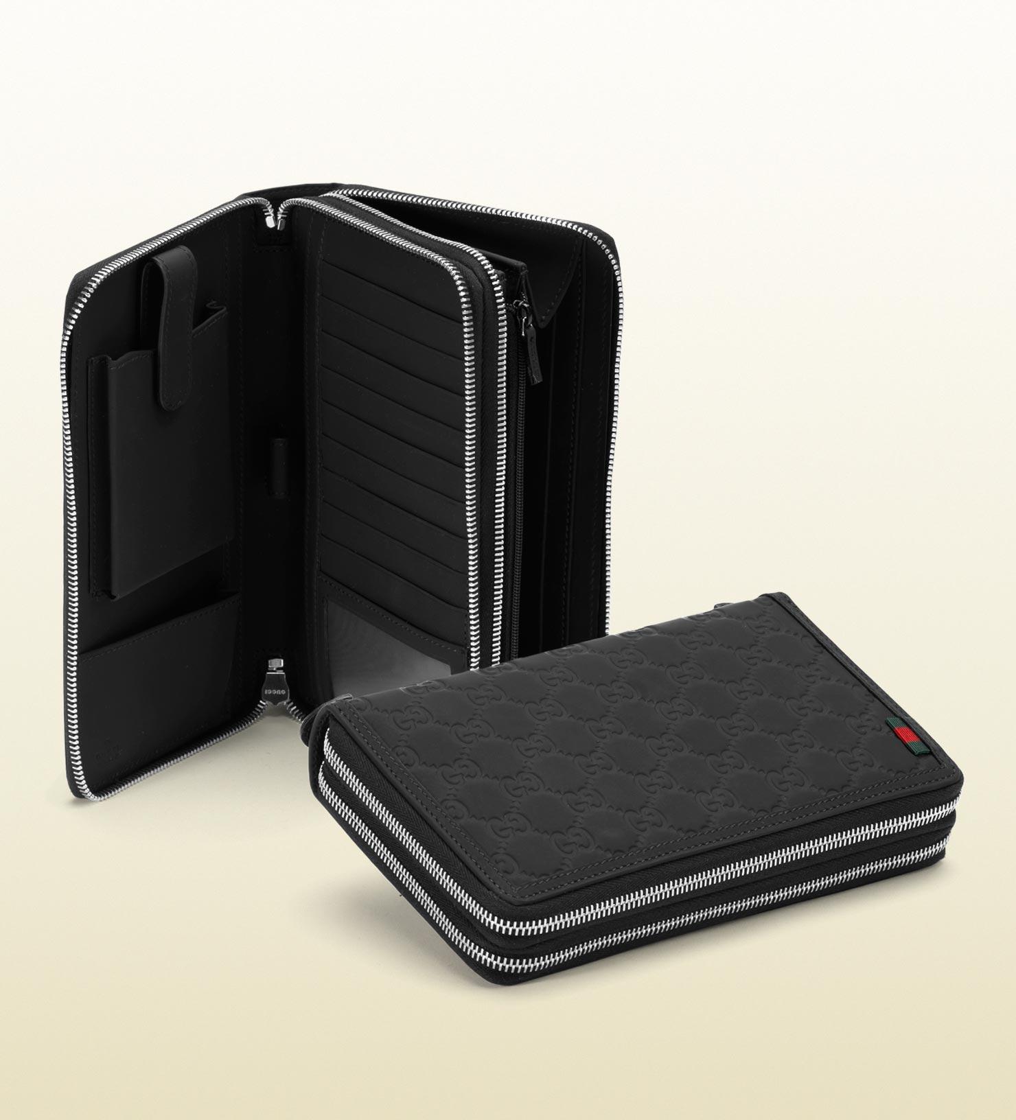 23bc6568add51 GUCCI GG Supreme Monogram Travel Document Case Black 223047. Gucci Black  Rubber Ssima Leather Travel Document Case in Black for Men