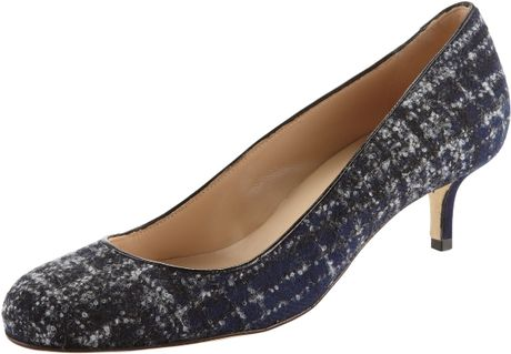 Oscar De La Renta Flannel Plaid Kittenheel Pump in Black (navy) - Lyst