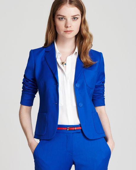 Пиджаки женские. . Оригинальный пиджак из французского трикотажа с. Бело-черный пиджак