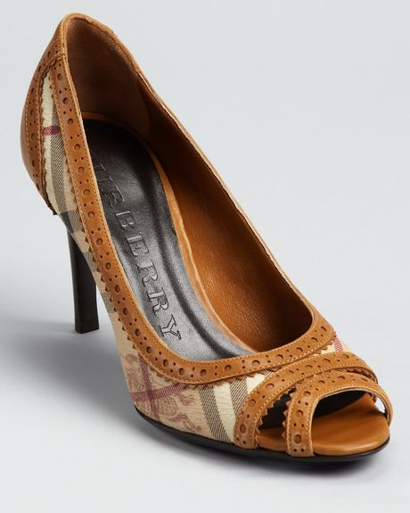 Burberry Pumps Haymarket Brogue Mansfield Peep Toe in Brown (tan) - Lyst