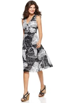 Jones New York Sleeveless Printed Vneck Dress - Lyst