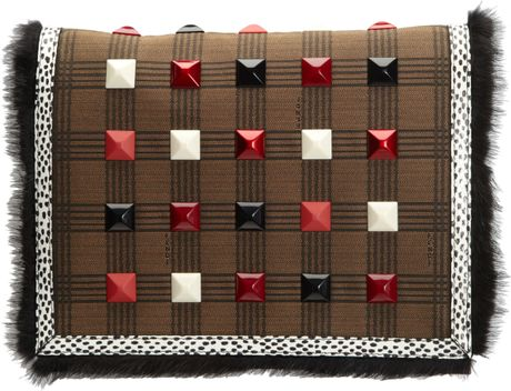 Fendi Studded Daisy Bag in Brown (multicolor)