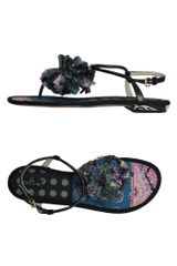 Etro Flip Flops in Black - Lyst