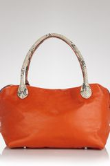 Elie Tahari Shoulder Bag Maura - Lyst