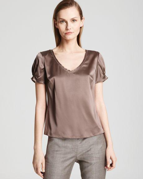 Коричневая блузка