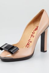 Lanvin Bowtoe Patent Leather Pump - Lyst
