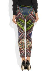 Matthew Williamson Printed Stretch Satin Skinny Pants in Purple (aubergine) - Lyst