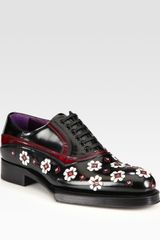 Prada Leather Flower Loafers in Black - Lyst