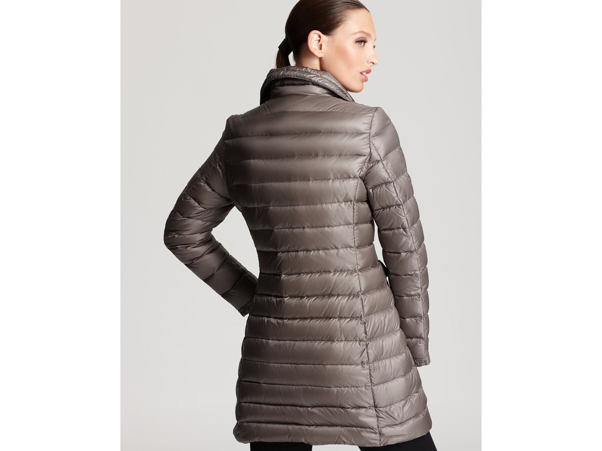 Moncler Vanneau Mid Length Down Coat in Black | Lyst