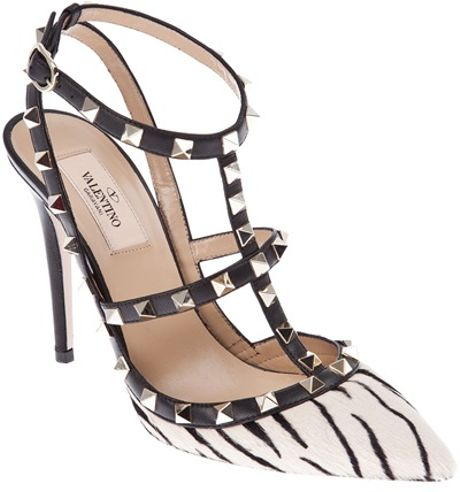 Valentino Studded Pump in Beige (cream) - Lyst