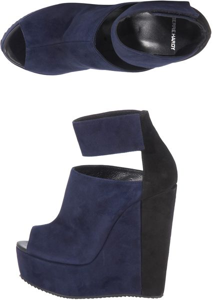 Pierre Hardy Bicolour Wedge Sandals in Blue (navy)