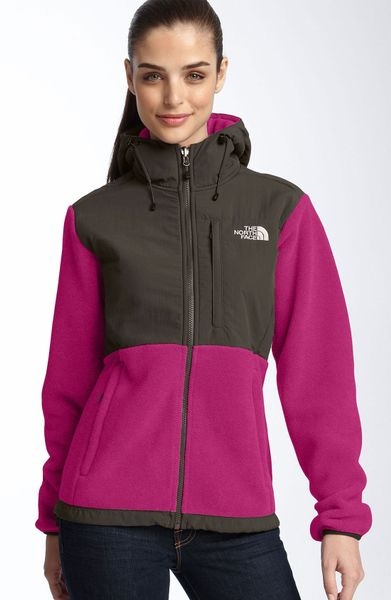 the north face denali hooded jacket in black  razzle pink
