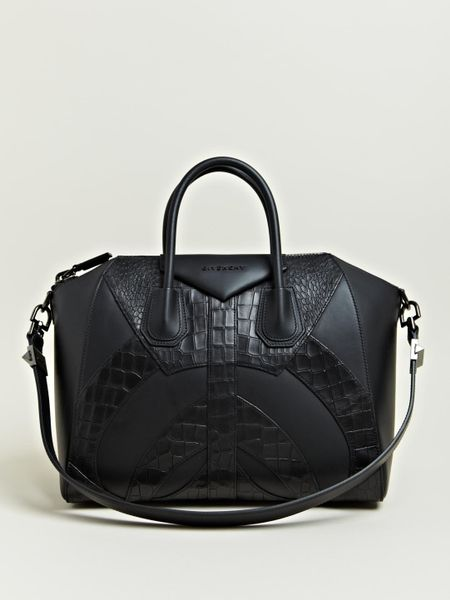 Givenchy Small Antigona Bag in Black