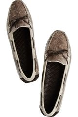 Bottega Veneta Snake Driving Shoes in Beige (snake) - Lyst
