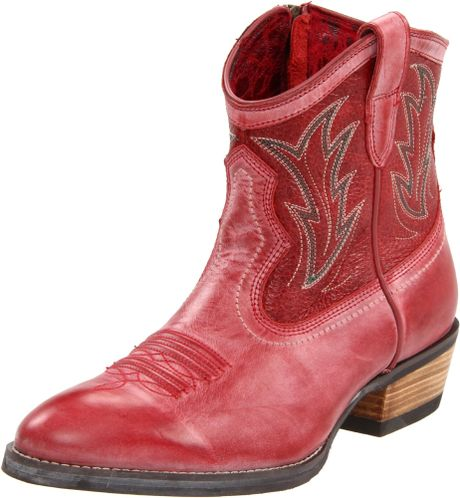 Ariat Ariat Womens Billie Western Boot in Red (red brunido/ pebbled red)