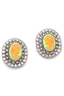 Tom Binns Cameo Jobim Pearl Crystal Earrings - Lyst