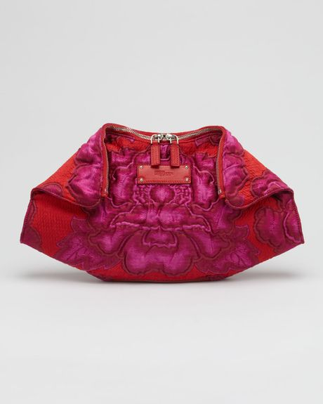 Alexander Mcqueen Demanta Big Flower Clutch in Red (pink red) - Lyst