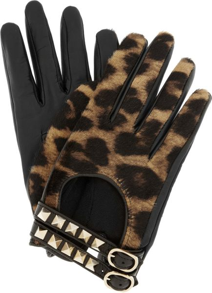 Valentino Rockstud Leather and Calf Hair Gloves in Black