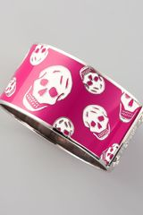 Alexander McQueen Large Enamel Skull Bangle - Lyst