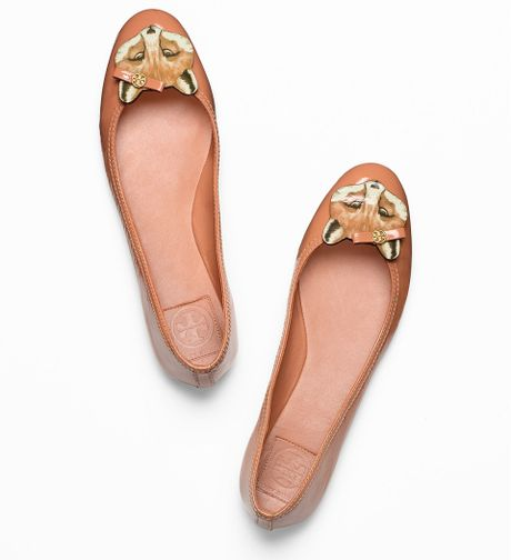 Tory Burch Leather Fox Ballet Flat in Brown (chestnut) - Lyst
