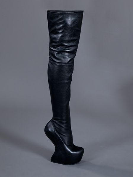 giuseppe zanotti heelless thigh boot in black lyst