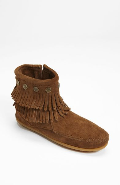 minnetonka fringe boot in brown dusty brown