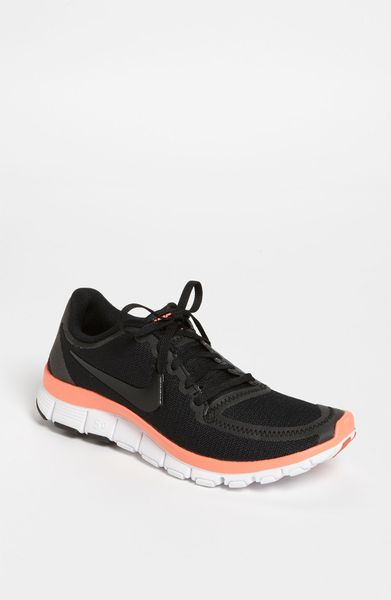Nike Free 50 V4 Running Shoe in Black (black/ white/ melon)