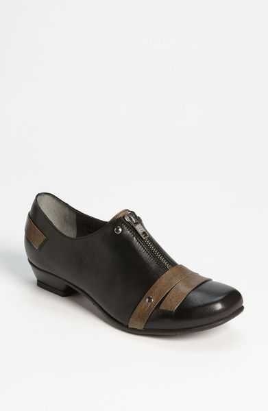 Fidji Cachet Oxford in Black (black new stone) - Lyst