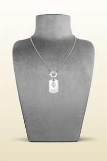 Gucci Dog Tag Necklace with Engraved Gucci Crest - Lyst