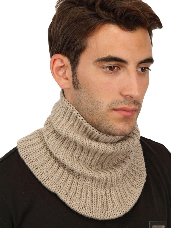 how to wear neck scarf for men