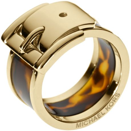 Michael Kors Large Buckle Ring Golden in Gold (6) - Lyst